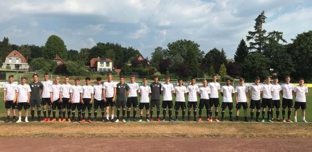 U16-Nationalmannschaft und transfermarkt.de zu Gast